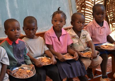children eating meals