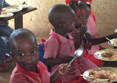 feeding-children